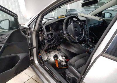 Демонтаж старой автосигнализации VW Golf 7