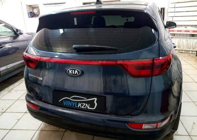Установка сигнализации на автомобиль Kia Sportage. Сделали так же тонирование с 95% затемнения