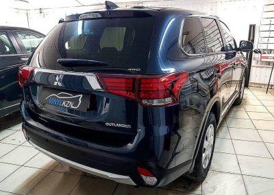 Бронирование автомобиля полиуретановой пленкой HEXIS Bodyfence и тонировка пленкой Llumar — Mitsubishi Outlander 2018
