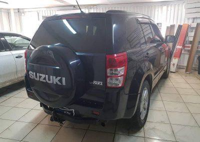 Тонировка задней части премиальной пленкой LLUMAR 95% — Suzuki Grand Vitara