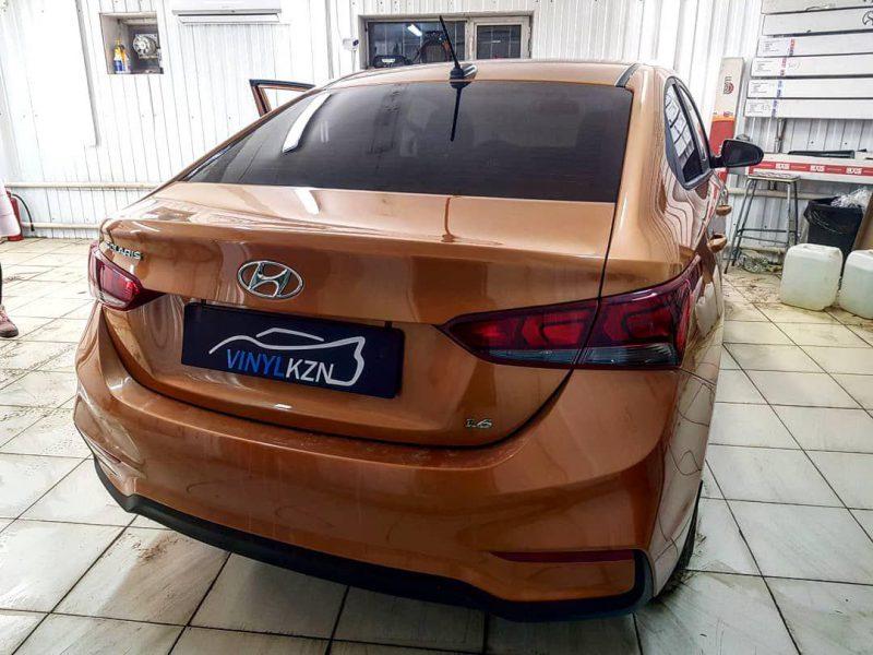 Тонировка пленкой Ultravision Supreme Thermo автомобиля Hyundai Solaris