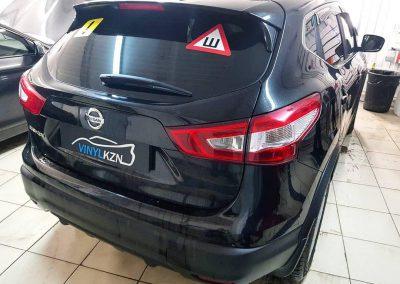 Тонировка пленкой Carbon стекол авто Nissan Qashqai
