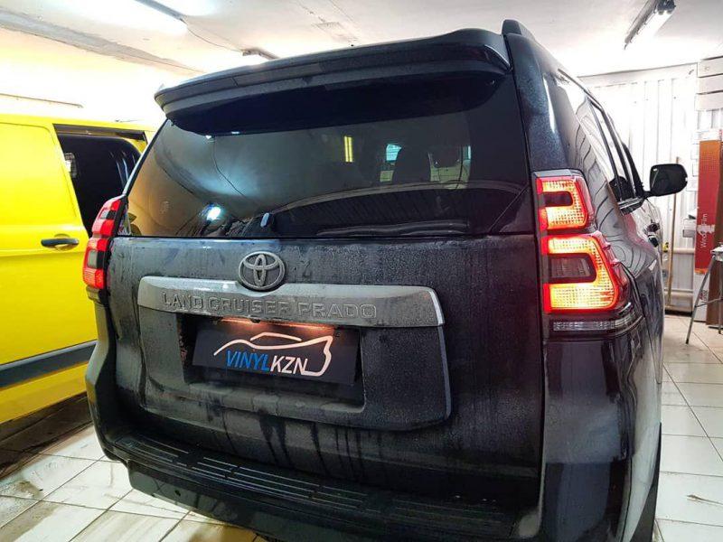 Затонировали Toyota Land Cruiser Prado премиальной пленкой Llumar ATR