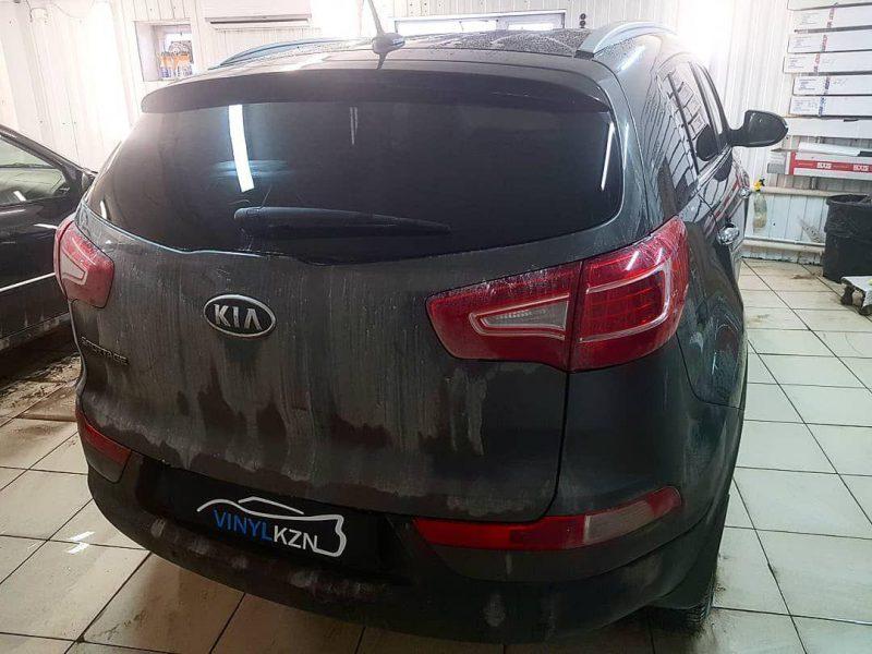 Тонирование задней части автомобиля пленкой Johnson 95% — Kia Sportage