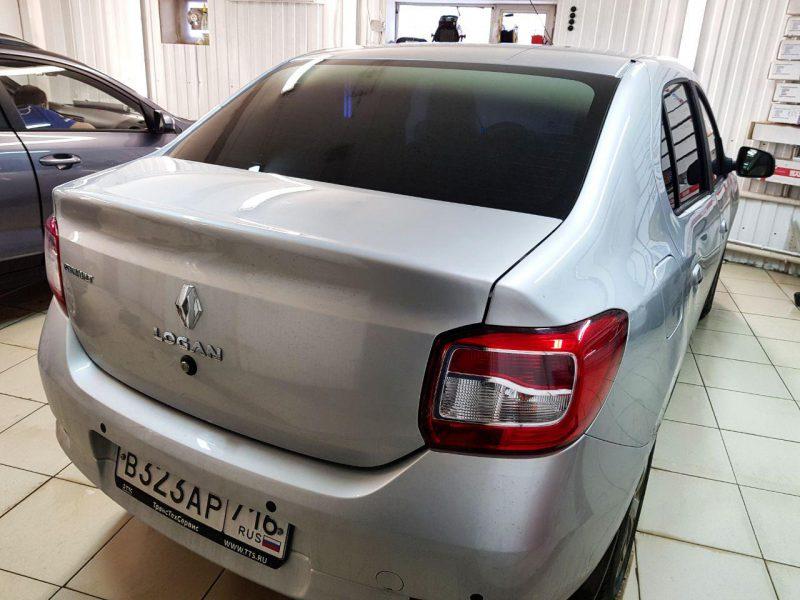 Renault Logan — Затонировали заднюю часть пленкой с переходом с черного на серебро