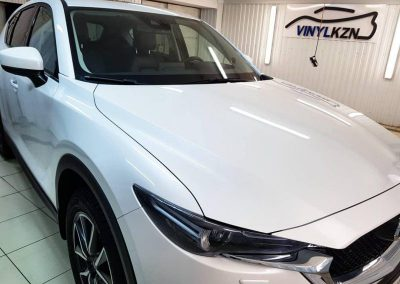 Забронировали передние фары полиуретановой пленкой Hexis Bodyfance, забронировали лобовое стекло — Mazda CX 5