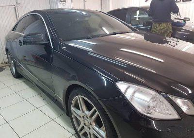 Тонирование передних боковых Llumar 85%, задняя часть сделана с 95% затемнением — Mercedes E-Class