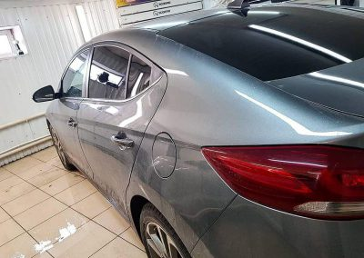 Тонирование задней части автомобиля пленкой с затемнением в 95%  ULTRAVISION —  Hyundai  Elantra