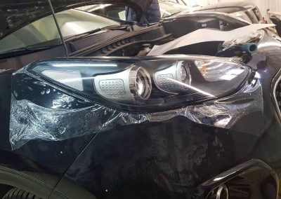 Забронировали лобовое стекло и забронировали передние фары — Kia Sportage
