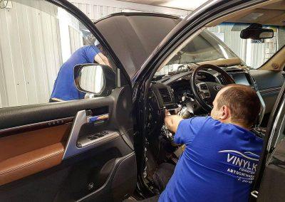 Toyota Land Cruiser 200 — сертифицированная установка сигнализации StarLine с гарантией — 13.000р
