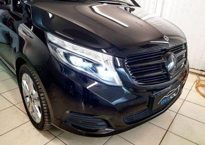 Полный антихром решётки радиатора и бронирование логотипа, полиуретановой пленкой — Mercedes-Benz V-Class