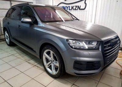 Audi Q8 — оклейка пленкой темно-серый сатин