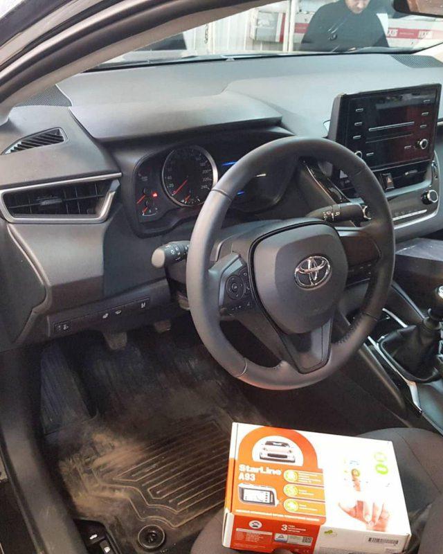 Toyota Corolla — установили охранный комплекс Starline A93 с сохранением заводской гарантии