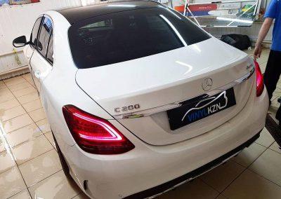Тонировка стекол пленкой Ultra Vision, оклейка крыши авто пленкой Oracal 970 — Mercedes C Class