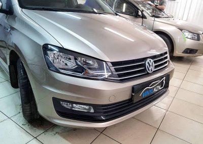 Автомобиль Volkswagen Polo забронировали капот антигравийной пленкой Oraguard