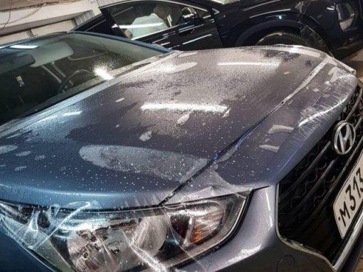 Бронирование капота и части крыши виниловой антигравийной пленкой — Hyundai Solaris