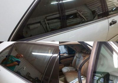 Оклеили уставшие стойки пленкой черный глянец Oracal 970 — Mercedes-Benz S-klasse III W140