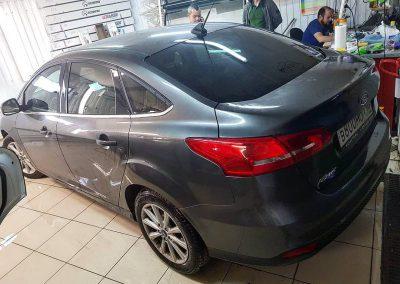 Ford Focus 3 — тонировка стекол пленкой Llumar