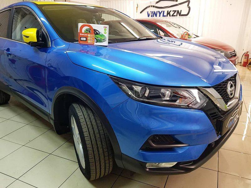 Nissan Qashqai — установка автосигнализации с автозапуском, оклейка крыши и боковых зеркал, тонировка стекол