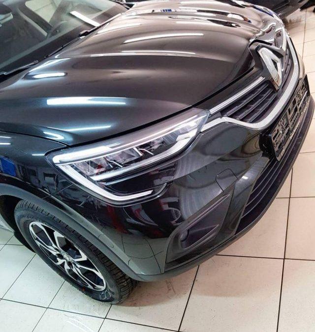 Renault ARKANA — забронировали капот, бампер, фары птф полиуретановой пленкой Hexis Bodyfance, тонировка стекол