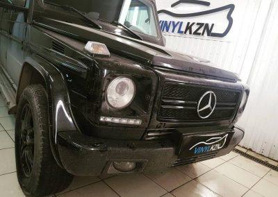 Mercedes G-class — покраска решетки в черный глянец и покрытие лаком