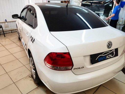 VW POLO — оклеили крышу черной глянцевой пленкой Oracal 970 серии