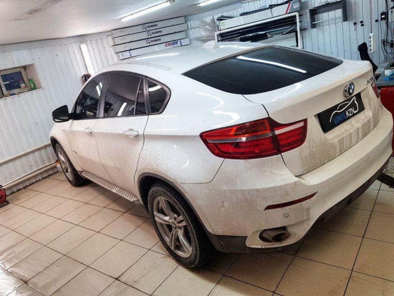 Брутальный BMW X6 — затонировали стекла автомобиля пленкой Llumar ATR