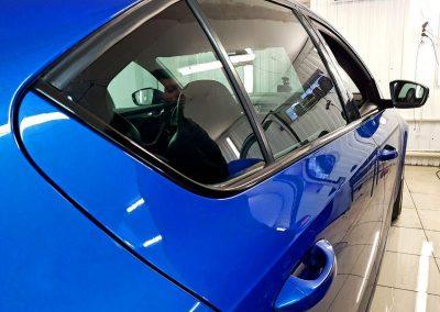 Оклеили молдинги на дверях у Skoda Octavia RS пленкой Oracal 970