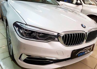 BMW 5 серии — забронировали полиуретановой пленкой капот, фары и все зоны риска повреждений ЛКП