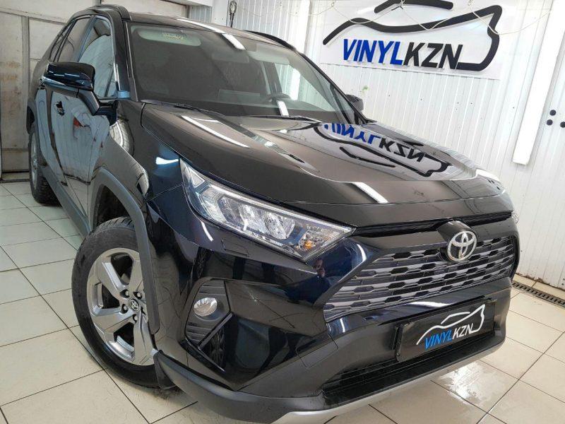 Toyota Rav 4 New — бронирование передней части автомобиля, тонировка стекол пленкой ULTRAVISION SUPREME THERMO 95%