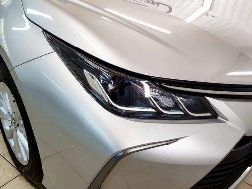 Toyota Corolla — забронированы фары, капот, крышу и боковые зеркала пленкой Oraguard