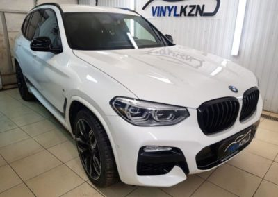 BMW X3 — бронирование кузова и фар антигравийной пленкой, вибро-шумоизоляция арок и дверей