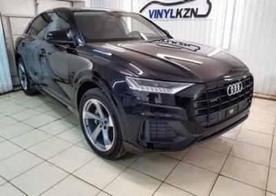 Audi Q8 — бронирование кузова премиум пленкой Llumar PPF Gloss, полировка и керамика GYEON, скрытая проводка, защитная сетка
