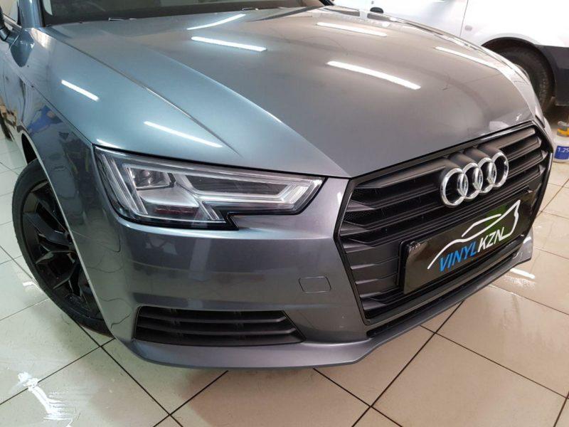 Антихром решетки на Audi A4