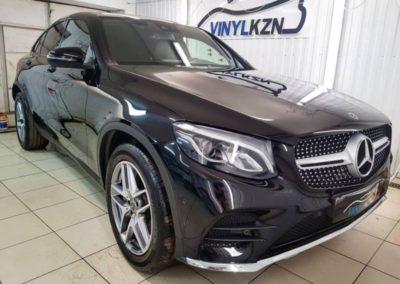 Антихром окантовки стекол черной глянцевой пленкой от Oracal 970 и нанесение керамики на кузов — Mercedes GLC
