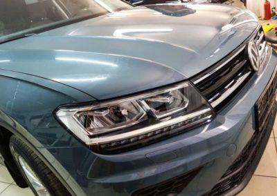 VW TIGUAN — бронирование кузова полиуретановой пленкой, тонировка стекол премиум пленкой Llumar ATR