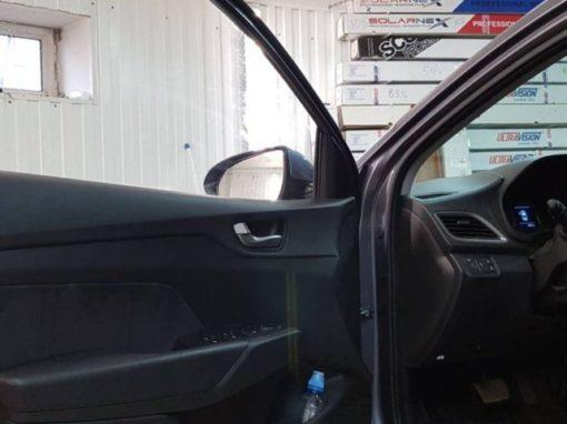 Hyundai Solaris — атермальная тонировка передних боковых стекол пленкой 3M Cristalline 10%