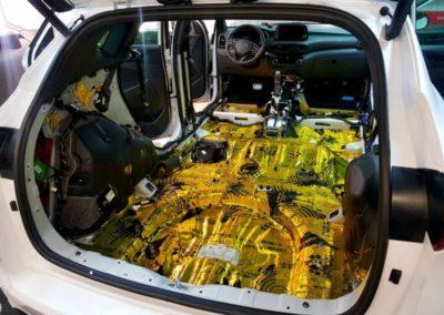 Hyundai Tucson — полная шумоизоляция салона без крыши