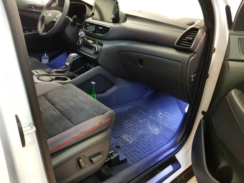 Hyundai Tucson — реализовали подсветку ног и подсветку у двери при открытии