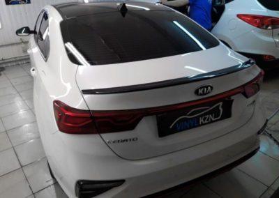 Kia Cerato — оклеили крышу автомобиля пленкой Oracal 970 черный глянец