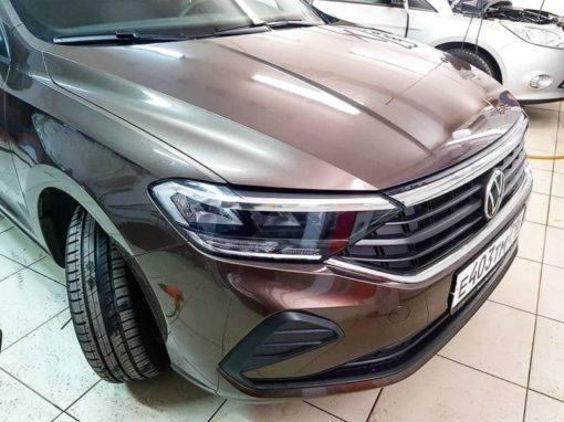 Бронирование виниловой немецкой пленкой капота и фар VW POLO