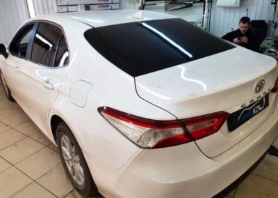 Toyota Camry затонировали заднюю часть пленкой ULTRAVISION SUPREME THERMO