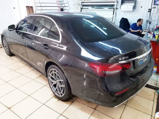 Новый Mercedes E Class 2020 года — тонировка всех стекол пленкой Llumar 65%