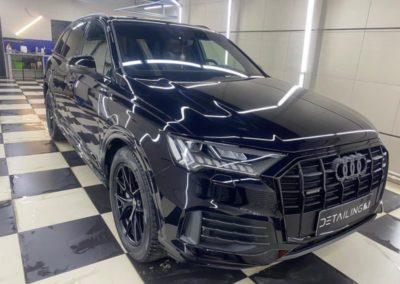 Бронирование нового автомобиля Audi Q7 полиуретановой пленкой, полировка и нанесение керамики