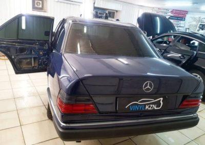 Тонировка стекол автомобиля Mercedes W124 пленкой Llumar