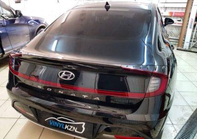 Hyundai Sonata затонировали заднюю часть автомобиля  плёнкой UltraVision SUPREME THERMO
