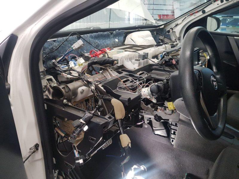 Toyota Corolla — поставили сигнализацию с автозапуском Starline A93
