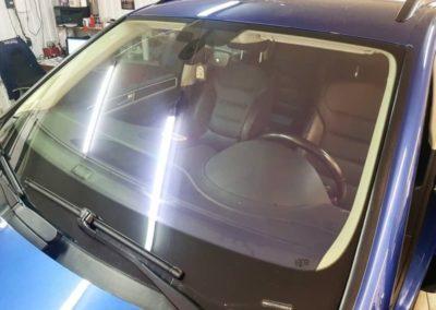 Атермальная тонировка лобового стекла автомобиля VW Touareg пленкой  UltraVision Steath