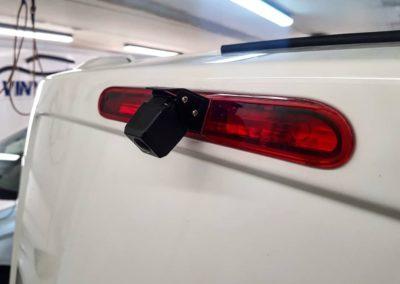 Peugeot Expert — установили камеру заднего вида с интересной конструкцией, установка регистратора и защитной сетки радиатора