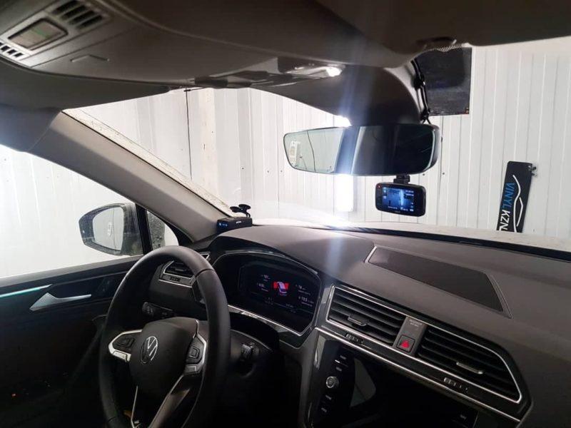 Сделали скрытное подключение регистратора и радара — новый VW Tiguan